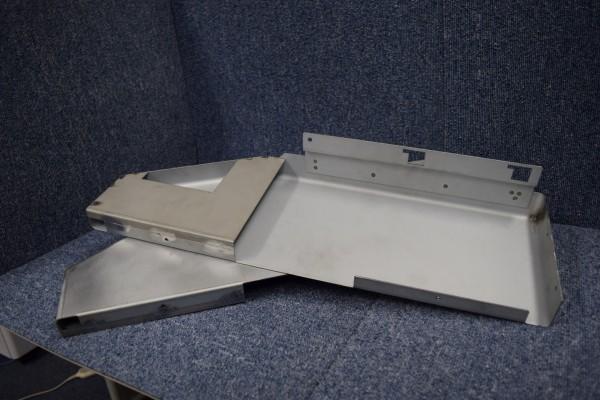 塗装機械のコントロールボックス部品